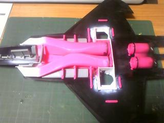 1/48 F-22 内部パーツの取り付け