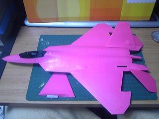 1/48 F-22 やすりがけ